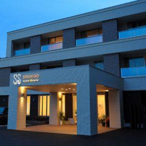 3階建て2世帯+動物病院併用の<br>真似したい洗練アイディア満載な3エリア住宅