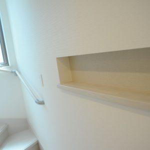 東京の厳しい建築条件を南側スケルトン階段で解消。<br>明るく間取りを有効に使った二世帯3階建て住宅