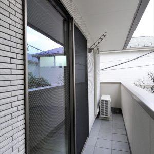 閑静な住宅街で1階は単世帯向け、<br>2~3階はファミリー向けの設備にこだわった賃貸住宅