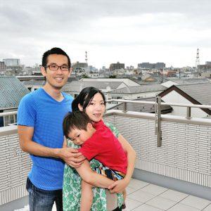 「ただいま」が暖かい。<br>家族団らんの工夫が随所に詰まった3階建て屋上付き住宅