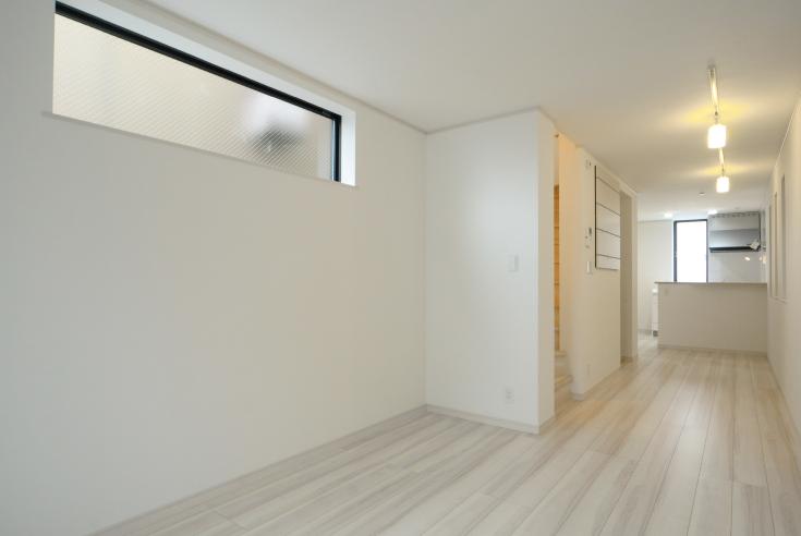 建物の間口2m62cm! 防火地域の木造3階建て住宅。<br>あきらめていた奥様ご希望の対面式キッチンも実現。